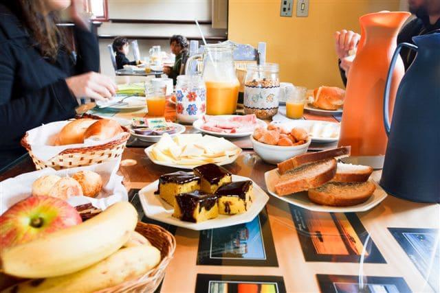 Petit-déjeuner en auberge de jeunesse